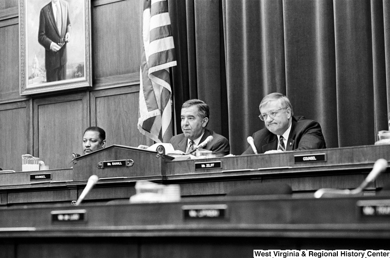 Photograph of Congressmen Nick Rahall and William Zeliff (NH) at a hearing