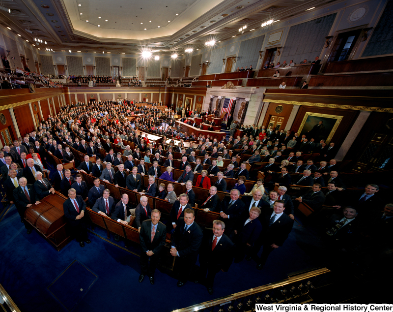 Members of the 109th Congress stand for an official House portrait photograph.
