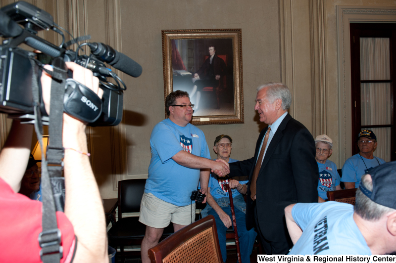 Congressman Rahall meets with veterans at a military award ceremony.